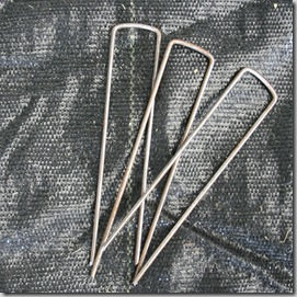 Landscape fabric pins